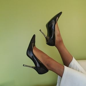 Black Guess Pointed-Toe Heels